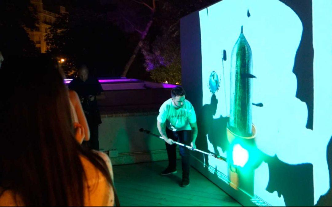 Hendrick's se tiñe de luz digital con un Rodillo láser